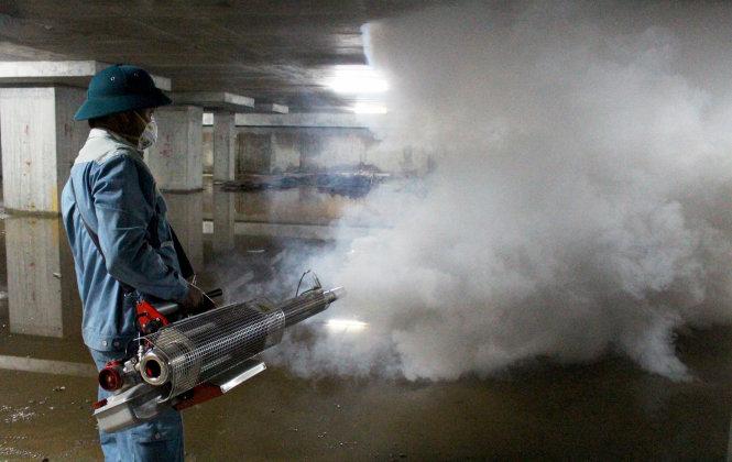 Người dân cần làm gì khi phun thuốc diệt muỗi để đảm bảo an toàn và hiệu quả